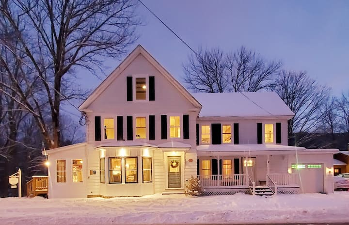 Woodstock Farmhouse - A Gathering Place