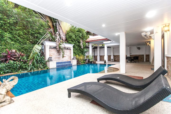 Kamala Na Thong House 3 bedroom with swimming pool