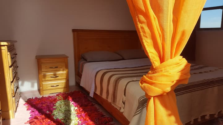 Sunny double Room with Breakfast