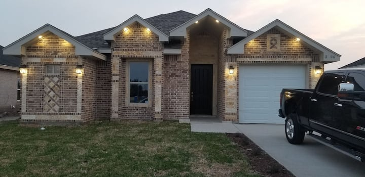 1.  3 bedroom 2 bathroom home with Gym