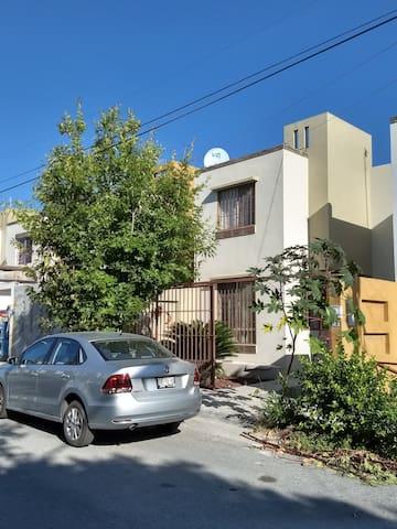 Casa cerca Plaza Sendero Periférico, Reynosa