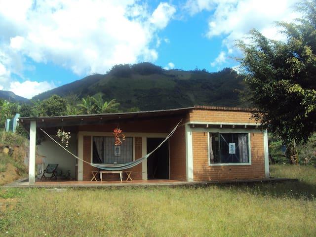 Casa o Cabaña de Descanso - El Guabo - Mökki