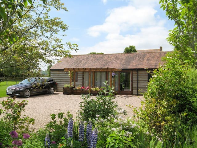 Harts Farm Barn Cottage (NTW)