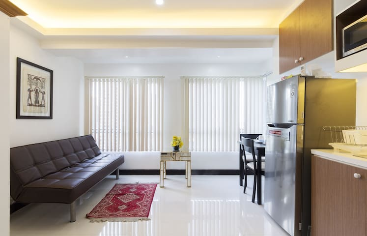 New and Modern 1-BR at the Heart of BGC