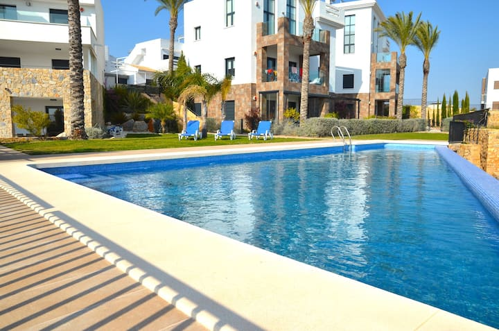 2 Bed South Facing Luxury Apt – Las Ramblas Golf