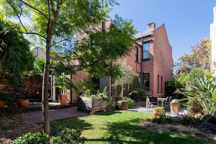 Luxurious Carlton North Haven