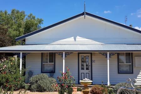 C & A's Cottage - Talbot - บ้าน
