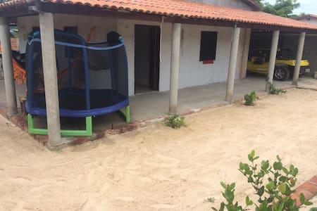 Casa próximo a Canoa Quebrada, na Praia de Quixaba