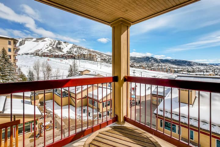 Exquisite & upscale ski-in/ski-out slopeside condo w/shared hot tubs, pool, gym