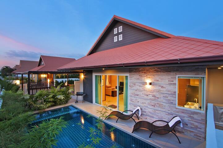 Luxury 3 Bed Villa A20 FreeTaxi to Walking Street - Pattaya - Vila