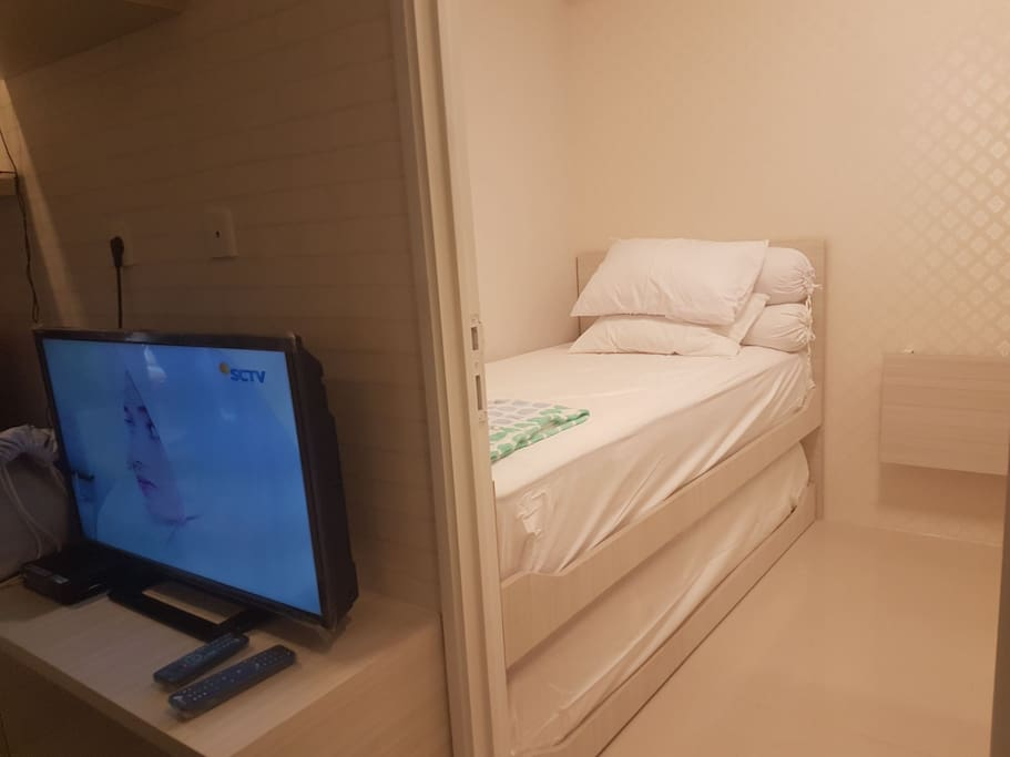 Bed Room 2: sliding bed for 2 peoples.