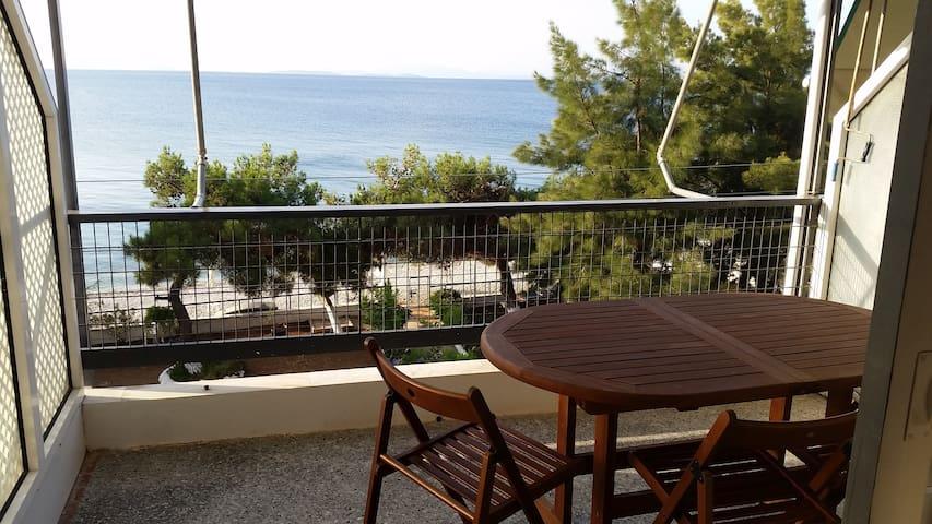 Διαμέρισμα με θέα στη θάλασσα
