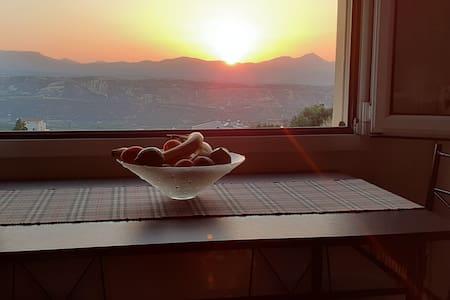 Διαμέρισμα με απεριόριστη θέα στο ηλιοβασίλεμα