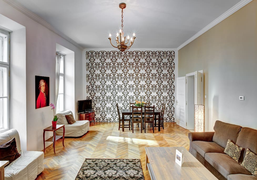Mozart Historic 1 BR apartment