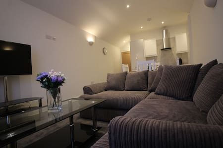 Exquisite 1 Bed flat, 15 min close to Heathrow - Staines-upon-Thames - อพาร์ทเมนท์
