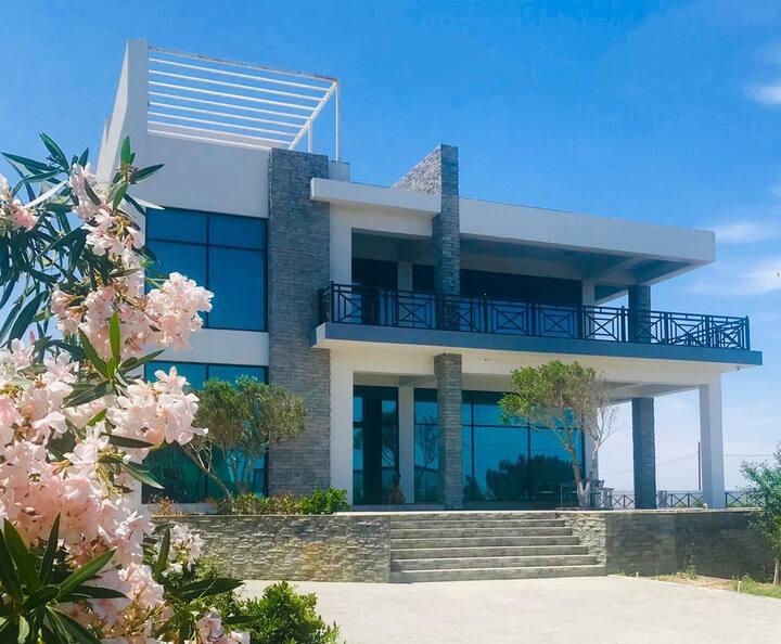 AMAZING Seaview villa close to Sea Breeze Hotel