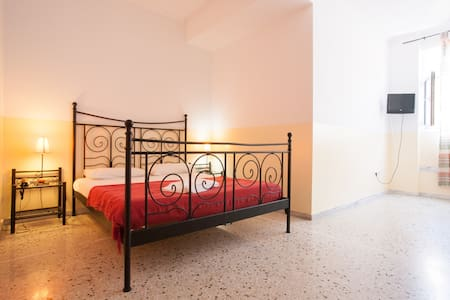 Studio for 3 in the heart of Athens - Atenas