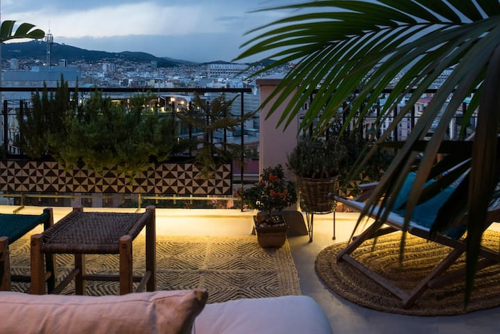PENTHOUSE WITH FANTASTIC VIEWS - Barcelona - Pis