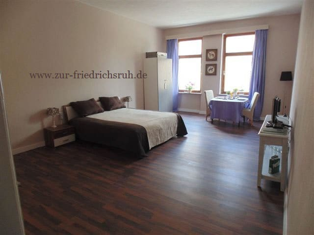 Room Plauen - Oelsnitz - Bed & Breakfast