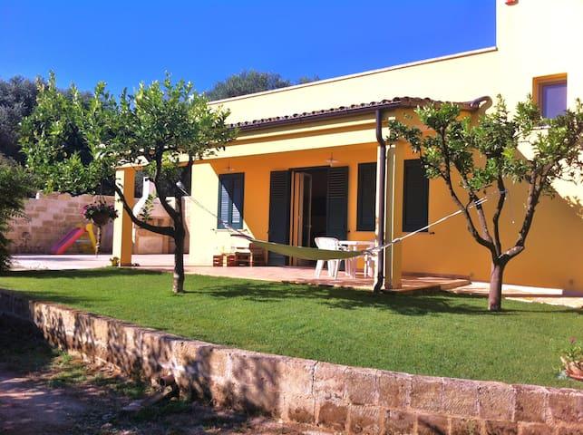 Casa vacanze in campagna vicino al mare - SALENTO