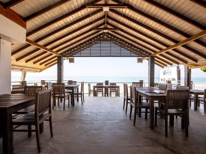 Pristine Beach Lodge Mt Lavinia - 10% off