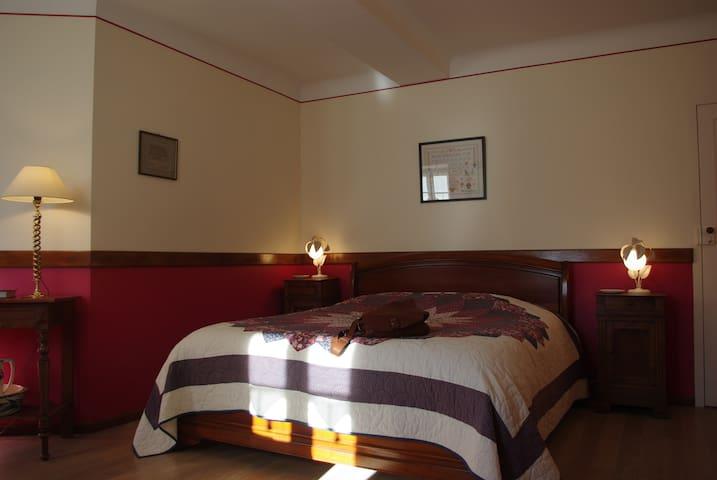 """La chambre parentale """"Framboise"""" - lit de 160 cm"""