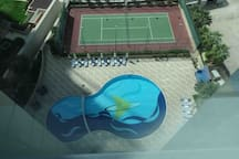 Pool and tennis court. Pool available daily. Court has to be booked.