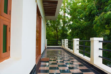 Mani Home Stay, Deluxe Room -1 - Trichy