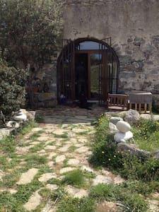 Ancienne Bergerie en pierres de taille - Corbara