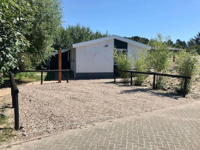 Nieuwe 2020 gebouwde Wellness Villa99 Ameland