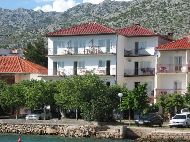 Rooms with sea view - Starigrad - Pousada