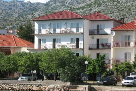 Rooms with sea view - Starigrad