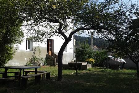 Casa en A Mariña, río y playa - Barreiros