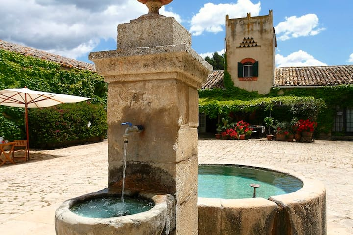 Masseria Floresta, Casa Colombaia
