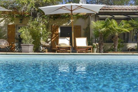 Chambre d'hôtes 'Pointe de Sel' jardin piscine