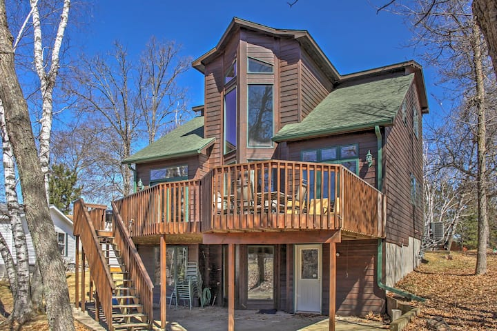 Crosslake House w/ Private Boat Landing & Deck!