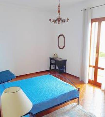 Casa di O. stanza privata 2