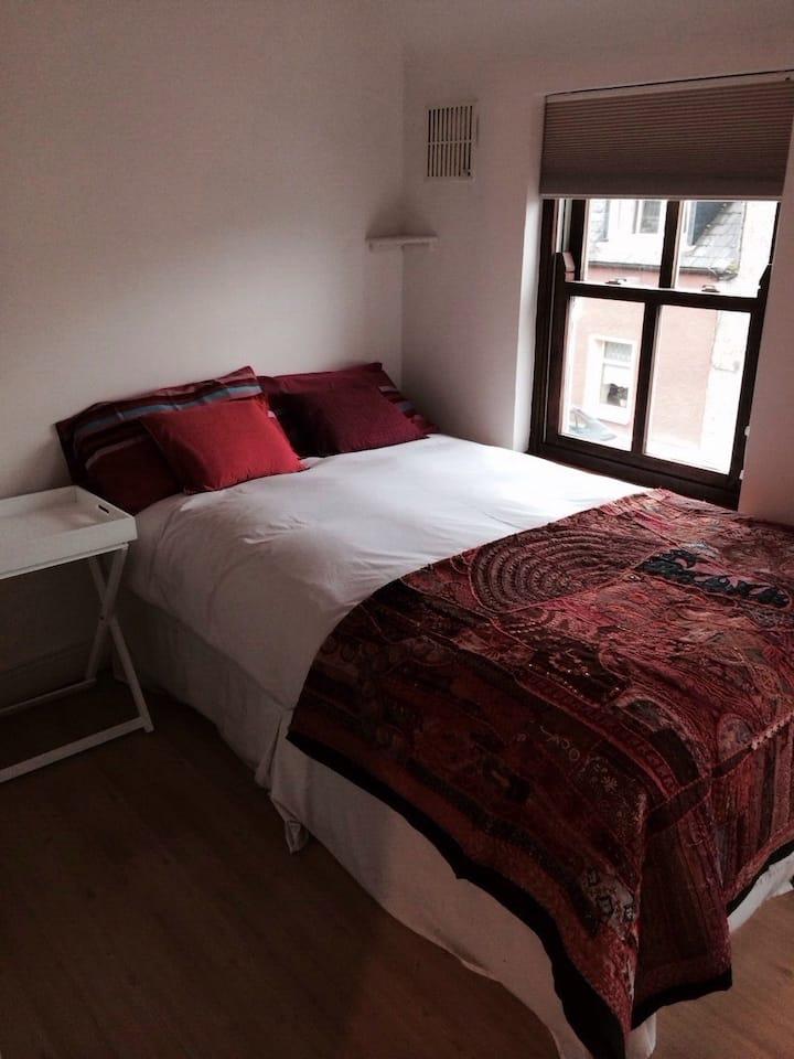 modern open plan 2 bed house