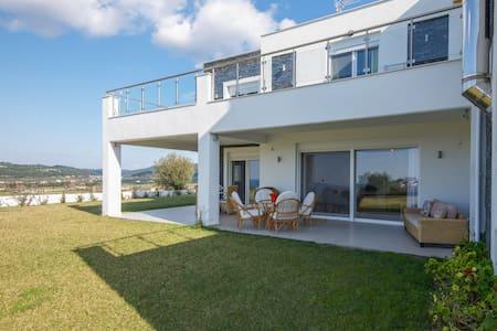 VISTA MARE Brand new holiday house - Posidi - Hus