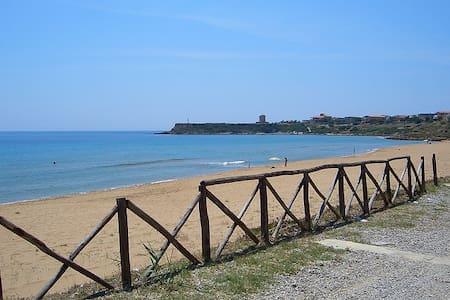 CAPO RIZZUTO TORRE VECCHIA BEACH