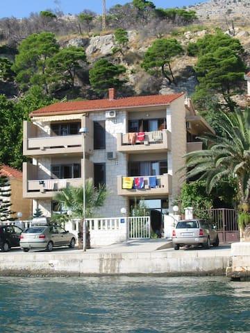 Vila Temza - Jesenice - Apartment