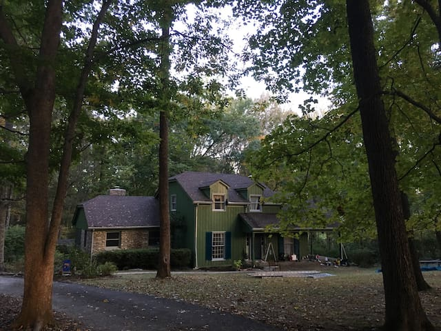 Country house near Floyd Fork Park
