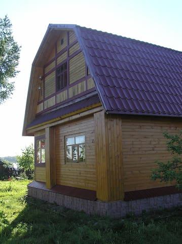 Сдаю домик на берегу реки Волга
