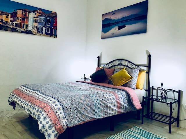 Studio apartment Madrid