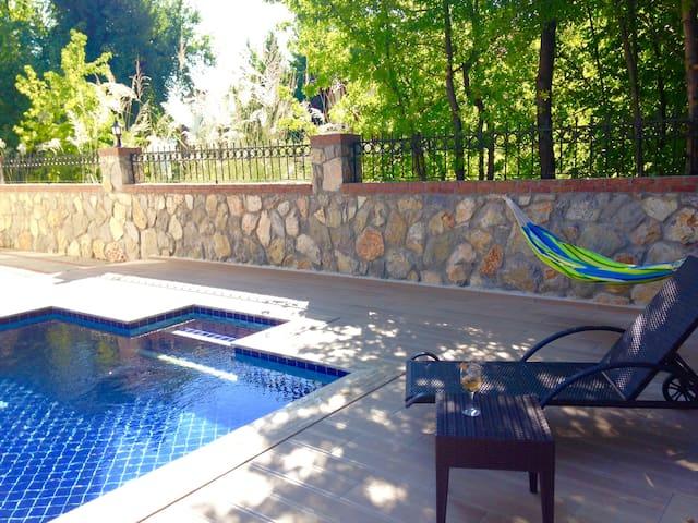 Calis Mutlu luxury apartment WIFI - Çalış - อพาร์ทเมนท์