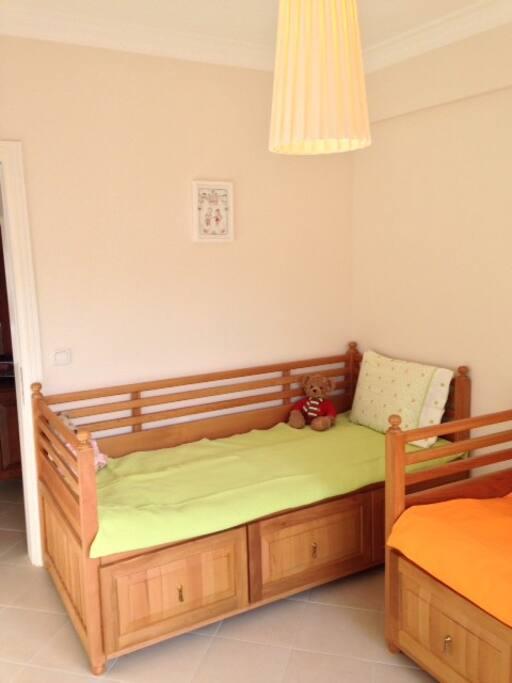 2 single beds in 2nd bedroom.