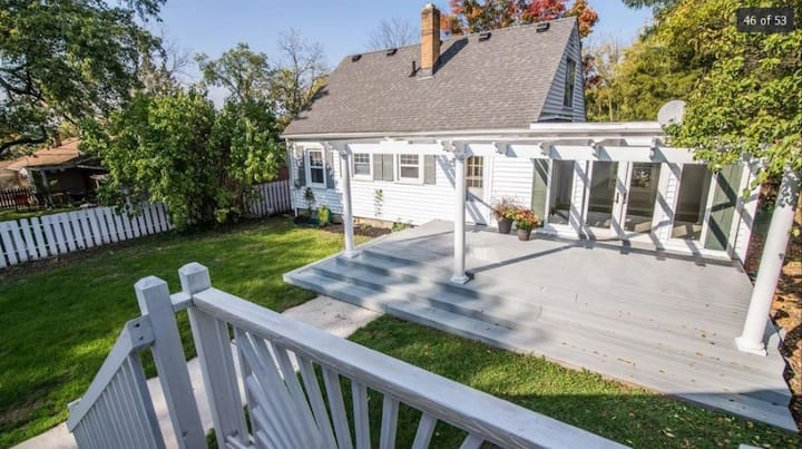 Inviting Westside AA Cape Cod w/plenty of WFH area