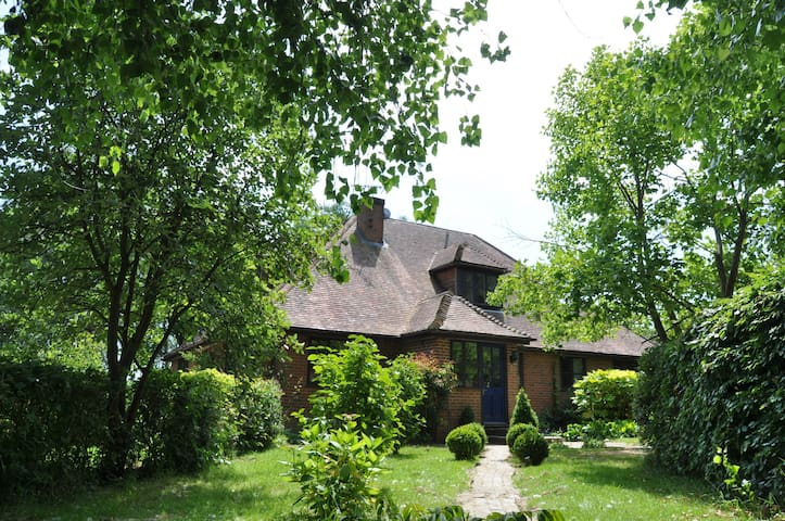 Large six bedroom country house - Cranbrook - Casa