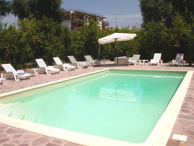 Sea-view central house with pool - 2 bedrooms - Sorrento - Lejlighed