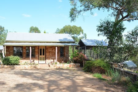 Trestrail Cottage, Sevenhill Clare Valley - Bed & Breakfast